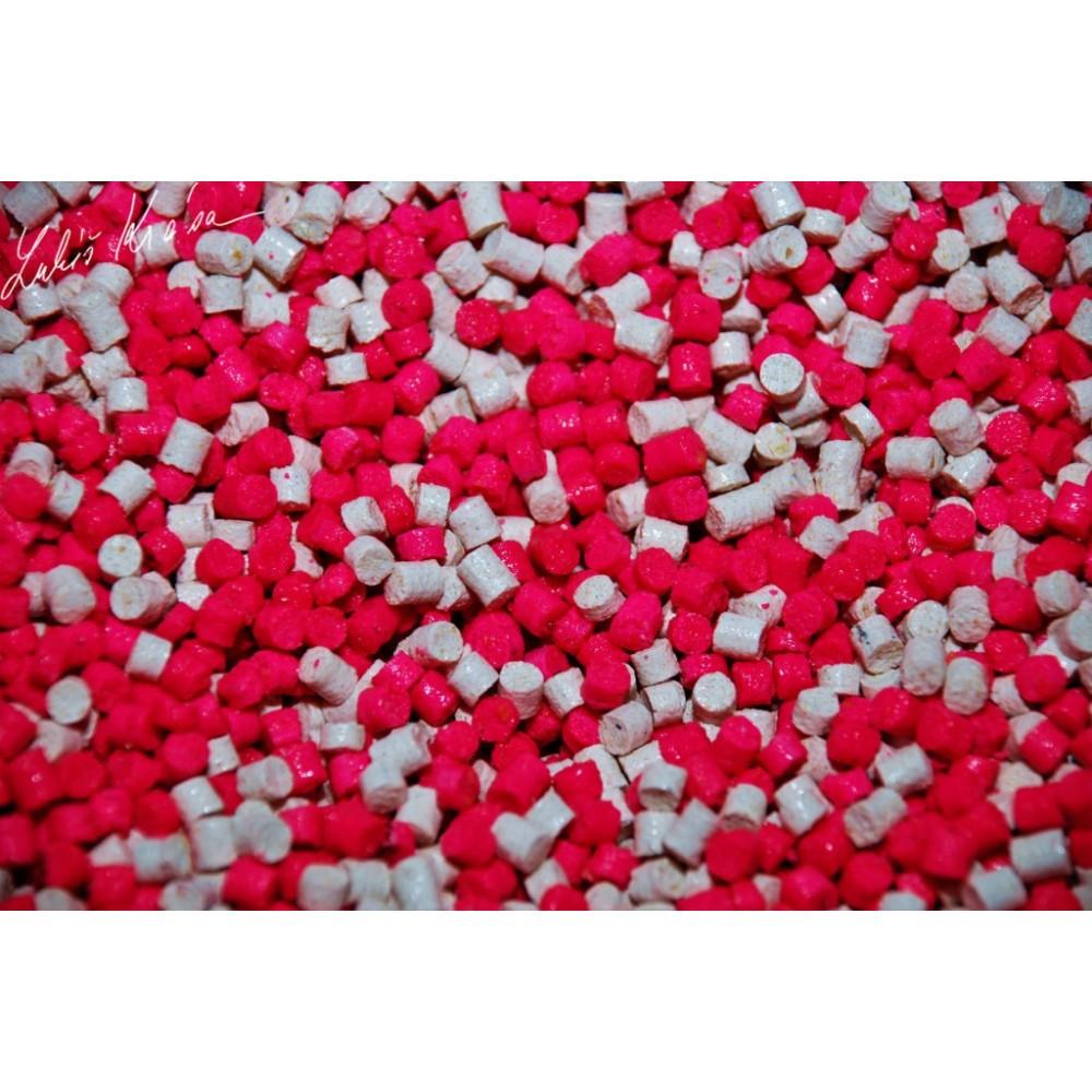 Пелети с аромат на Дива ягода и Carp Secret 4мм 1кг